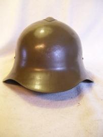 Russian helmet M36, Russische helm Model 1936, met het kleine kammetje. gedragen tijdens de Spaanse burgeroorlog 1936.