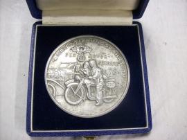 German medal in case, 1. Orientierungsfahrt 1937 NSKK Der motorstandarte 78. Duitse NSKK plaquette in doos.