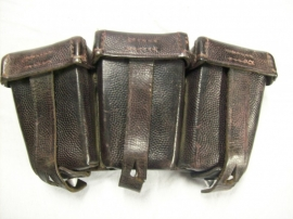 German K98 ammo pouch, dark brown, Duits patroontasje 1937 bruin leer, Mauser