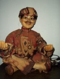 Shopping window puppet, with a clockwork, not electric. Bewegende etalage figuur met glazen ogen opdraaimechaniek TOP staat jaren 20 stond jaren lang in TOKO DAJA in Den-Haag gewoonweg TOP