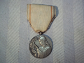 Franse zilveren medaille. RECONNAISSANCE  FRANCAIS.
