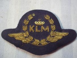 Dutch cap badge KLM pilot. Petembleem KLM jaren 50- 60 goud geborduurd.