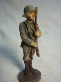 German soldier on guard, ELASTOLIN. Duitse wachtpost