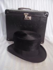 Hoge hoed in bijpassende hoeden koffer zeer goede staat, decoratief
