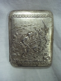 Cigaretcase, with military picture, German soldiers in trenches.
