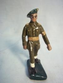 play soldier, Belgium made, elastolin soldaatje belgische aanmaak.