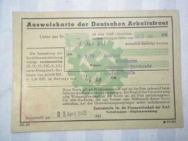 German labour card. Duitse arbeidskaart van de DAF