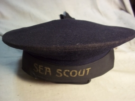 British sea cap for the boy scouts named, SEA SCOUT, with maker. Matrozenmuts van de Engelse zeeverkennerij.