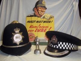Helmen, uniformen, emblemen curiosa, medailles