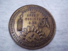 German tinnie, rally badge, Duitse tinnie Weihestunde der Arbeit Koblenz A.RH. Nazionale Dopolavoro NSBO Gau Koblenz-Trier - Birkenfeld Oktober 1933, zeldzame tinnie.