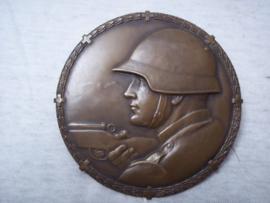 Swiss tin plaque 10cm. Zwitserse holle penning 10 cm doorsnee. met maker.