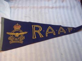 Pennant Royal Australian Air Force. R.A.A.F. Wimpel van vilt met opdruk oorlogs aanmaak 1945 als herinnering aan de R.A.A.F.