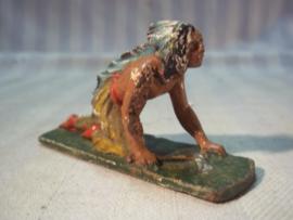 Toy Indian. elastolin indiaan op houten voetje.