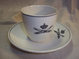Dutch cup and saucer, Fieldartillery. Kop en schotel met embleem Veldartillerie.
