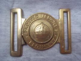 Buckle  PACIFIC ISLAND REGIMENT. nieuwe- guinea, australie . bronzen gesp met oorlogskroon