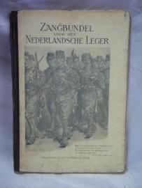 Dutch military songbook, big size, Nederlands leger zangboekje, het grotere formaat dan normaal.