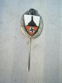 German pin 25 years Kuyffhauserbund, nicely marked, Duits draagspeld 25 jaar oudstrijders vereniging