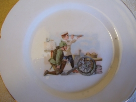 remembrance plate, children dressed as soldiers playing, Duits kinder wandbord
