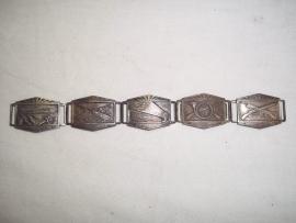 5 losse militaire plaatjes om een armband voor je geliefde mee te maken. met verschillende afbeeldingen.