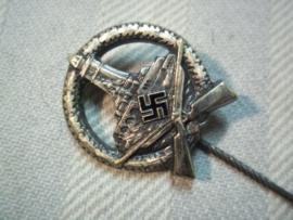 German shooting pin Kuyffhauserbund.draagschietspeld van de oud soldaten vereniging Kuyffhauserbund