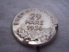 German pin. Duits speldje Freifeit und Brot 29 Marz. 1936.