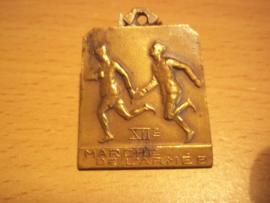 Belgium medal  12 th. Marche de Lármee 1935. belgische sportmedaille uit 1935. 12e  grote mars van het leger.