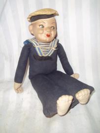 popje met papier - mange kop Holland- Amerika lijn jaren 40- 50 zeer decoratief matroos.