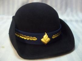 Dutch female police cap, officer. Dameshoedje Nederlandse politie met eikenloof op de blauwe band.