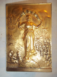 French plaque RECONNAISANCE, signed in the left corner. Franse plaquette gesigneerd