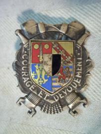 French firebrigade badge, Embleem borsthanger Franse brandweer.
