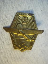 German tinnie, pin Duitse tinnie Einweihung des Nürnberger Flughafens Aug. 1933.