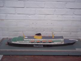 Advertising item. Reclame artikel, de boot van SEALINK. koningin Juliana, met logo van de maker, zeer bijzonder etalage materiaal voor reisbureaus of rederijen.