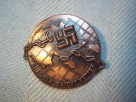 Duitse tinnie, Ein Volk bricht Ketten.  bevrijding van het juk van versailles.