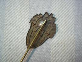 German shooting pin, 1938, Winter Hilfs Werk. Duits draagspeldje van de WHW schiet vereniging 1938