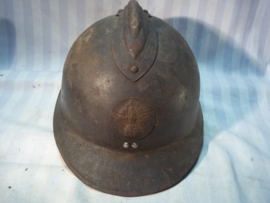 French helmet with 2nd pattern helmet badge of the infantry. Franse helm model 1926 met 2e model infanterie embleem, perfect binnenwerk, goede eerlijke helm.