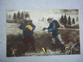 French postcard French and german soldier helping each other. Franse patriotische postkaart