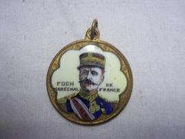 Enamelled medal General Foch. Geemaillerde herinneringsmedaille van de Franse generaal FOCH.