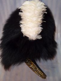 British bearskin, of the grenadier guards. Engelse bontmuts met kopen ketting en bamboeversteviging aan de binnenkant gedragen door de Engelse Guards  decoratief en zeldzame muts.
