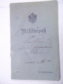 German militarpass, 1916 Ersatz Bataillon Infanterie Regiment 155, nicely filled in good condition. Duits militarpass uit 1916 goed ingevuld.