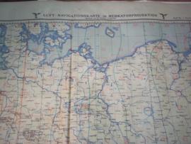 Duitse luftwaffe piloten kaart gemaakt van een soort waterbestendig canvas, rubber, zeer bijzonder