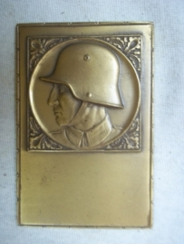 German plaque not used, soldier with helmet.Duitse plaquette, nooit gebruikt. brons soldaat met helm Model 1916.