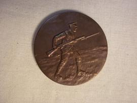 British badge 1934 with soldier. Engelse penning met Engelse soldaat uit 1934.