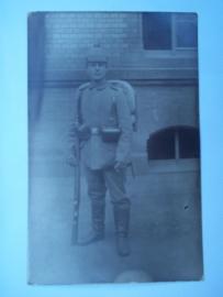 Photograph and postcard german soldier with pickelhaube Foto met Duitse soldaat en pinhelm met overtrek