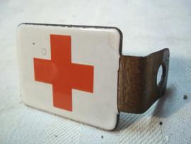 Bicycle badge enamel Red Cross. badge was attached on the handlebar. Militair emaille embleem welke op het fietsstuur gemonteerd werd. apart Rode kruis embleem.