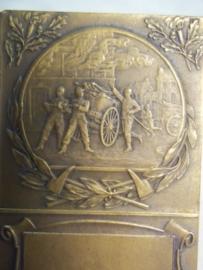 French fire department plaque in box, Franse brandweer medaille plaquette, penning in doos brons zonder naam.