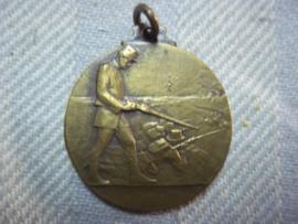 Belgium badge WW1 Carabinerie. Belgische penning Wielrijders herinnering aan hun helden moed