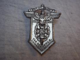 German tinnie Tag der Pfalz Kriegsbeschädigten, Duitse tinnie N.S.K.K. met makers etiket, vrij zeldzaam.