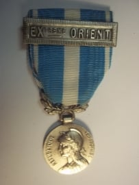 French medal with Extreme Orient bar. Franse medaille koloniaal