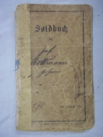 German soldbuch WW1 Infantry regiment nicely filled in. Duits Soldbuch WO1 Infanterie regiment ersatz, in 1916 met mooie andere interessante stempels