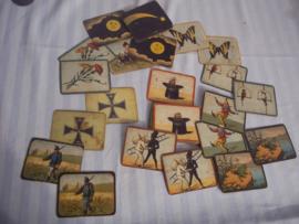Antiek memmory spel,  zelf met militaire kaarten en grappige kaarten en een Ijzeren kruis 1870, dus dit spel is ver voor WO1. zeldzaam